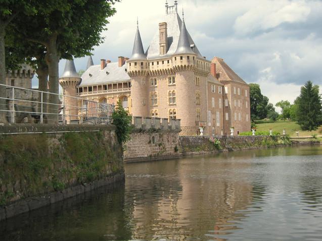 Chateau de La Clayette (op 55 km)