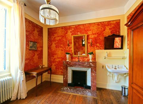 Rode kamer met openhaard