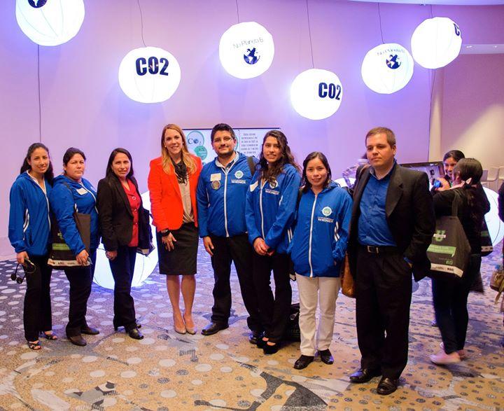 Universida Wiener con Yoca Arditi-Rocha de No Planeta B y Andres Hildenbrandt de COP20 Lima
