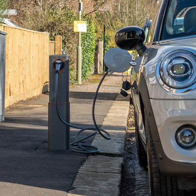WORLD FIRST EV POP-UP EV CHARGING UNIT TRIAL PAVES WAY FOR WIDER ROLL-OUT
