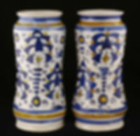 Montelupo (Italie) albarelli à la palmette persane. XVIe siècle.