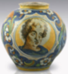 Venice (Italy) jar with two medallons. Workshop of Maestro Domenico. Circa 1560-1570.