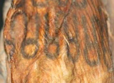 """¿Son los Tatuajes y piercings, modas """"importadas"""" por las nuevas generaciones?"""