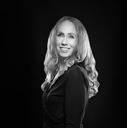 Photo of an interior designer named Angela Culley.