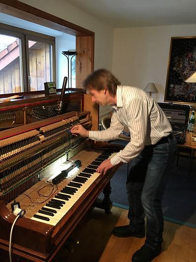 Oberdämpfer Klavier Stimmen, Piano Service, Klavier hochstimmen, Klavier mehrfach stimmen