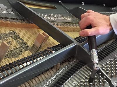 Konzertstimmer, Duo Stimmen, Klavier Stimmen Flügel stimmen, Wirbel setzen, Stimmkeile Filz