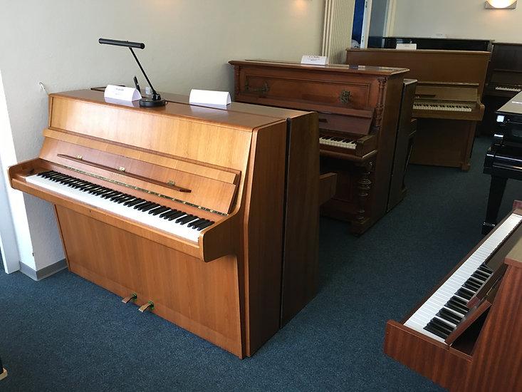 Feurich Klavier, Steinway & Sons Klavier, Pfeiffer Klavier, Klingmann Klavier, Hellas Klavier, Yamaha Klavier
