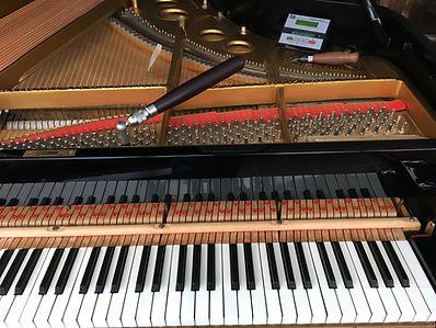 Steinway Flügel stimmen und intonieren, Konzertstimmer, bester Klavierstimmer