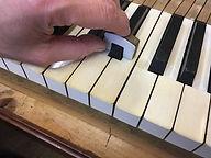 Klaviatur geradelegen und Obertastenhöhe festlegen
