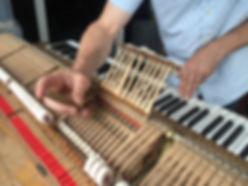 Steinway & Sons Repetitionsfederen regulieren