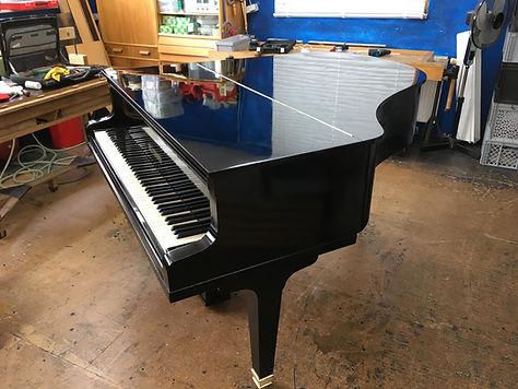 Neue Oberfläche Flügel Klavier in Handarbeit