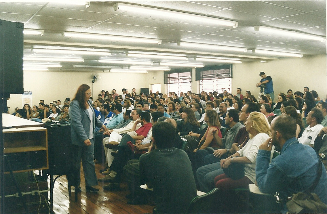 Assembleia_de_Professores_e_Funcionários