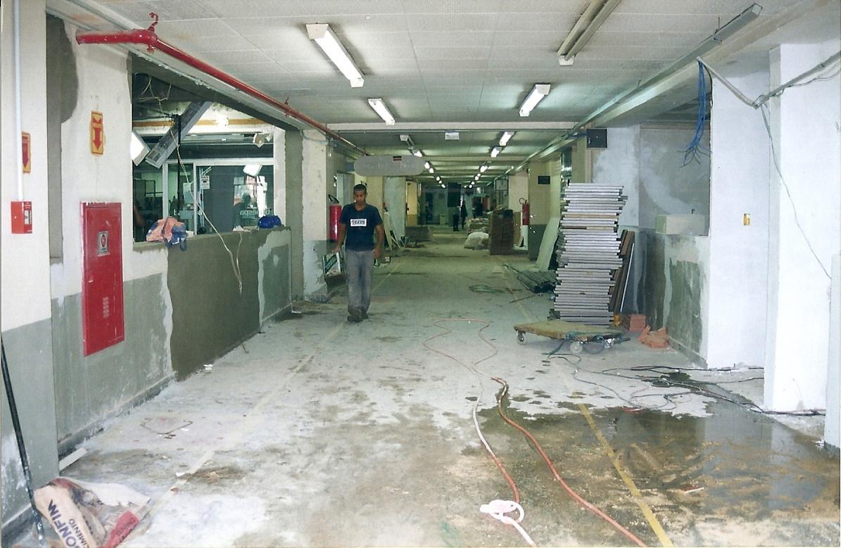 Inundação nos andares da PUC (3).jpg
