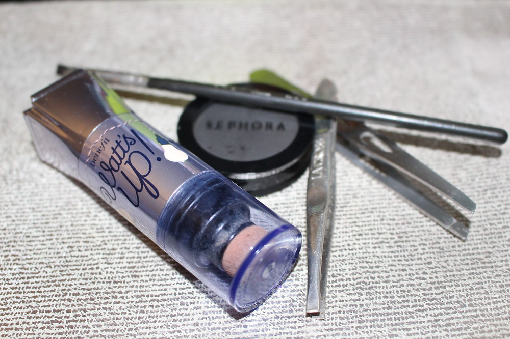 M.A.C. Angled Brush Sephora Black Eyeshadow Benefit What's Up Highlighter