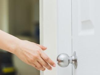 Clean door knobs?