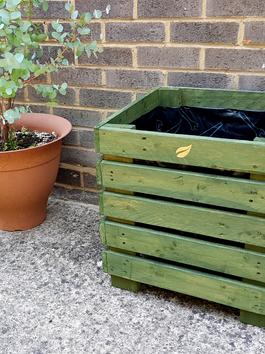 GreenLeaf cube planter