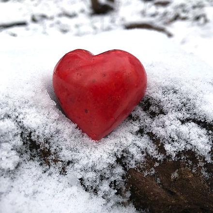 hjärta i snön_edited.jpg