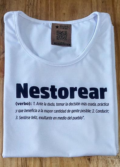 Nestorear