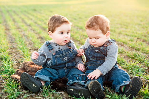 twin-boys-one-year-old-portraits-greensboro-07.jpg
