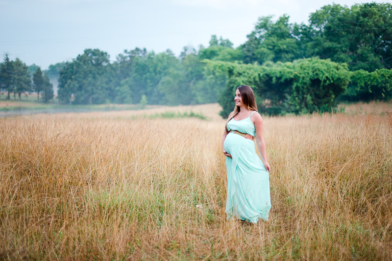 north-carolina-country-maternity-session-baby-girl-21.jpg