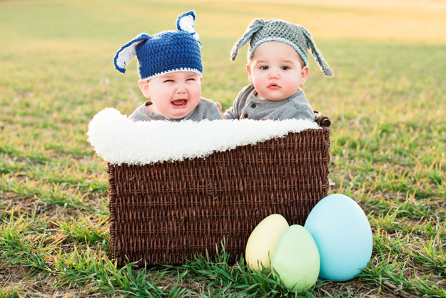 twin-boys-one-year-old-portraits-greensboro-easter-06.jpg