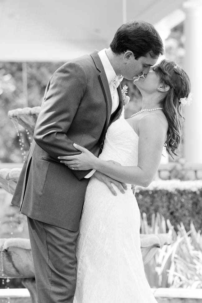 southern-teal-coral-belmont-estate-reidsville-wedding-9516.jpg