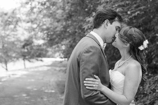 southern-teal-coral-belmont-estate-reidsville-wedding-9469.jpg