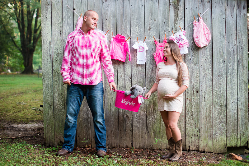 north-carolina-country-maternity-session-baby-girl-3.jpg