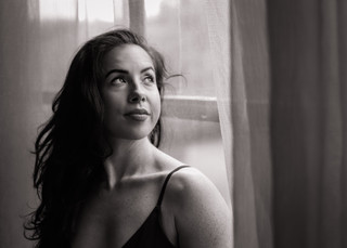 """<img src=""""pole dancer photo.jpg"""" alt=""""smiling portrait looking out of the window in black and white"""">"""