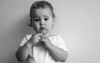 """<img src=""""family photo.jpg"""" alt=""""Family photoshoot little boy black and white"""">"""