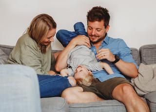 """<img src=""""family photo.jpg"""" alt=""""Family photoshoot tickle monster"""">"""