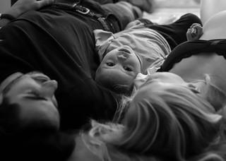 "<img src=""maternity photo.jpg"" alt=""Maternity photoshoot motherhood family laying down black and white"">"