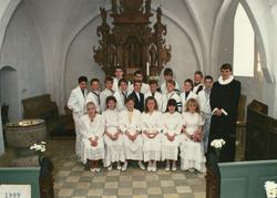 Egebjergkirke_konfirmander_1989