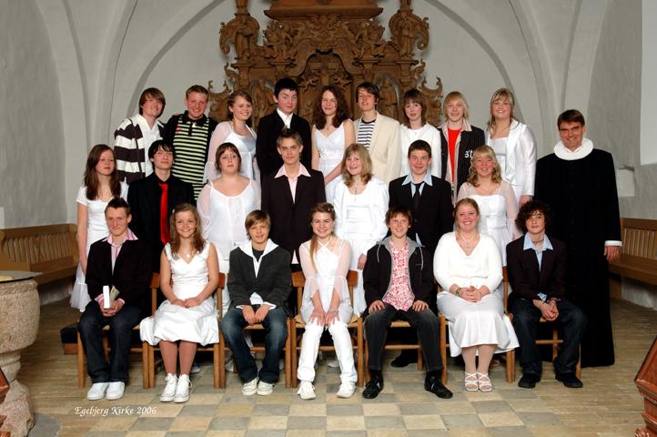 egebjergkirke_konfirmander_2006
