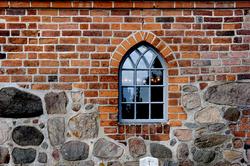 egebjergkirke_vaabenhus_vindue