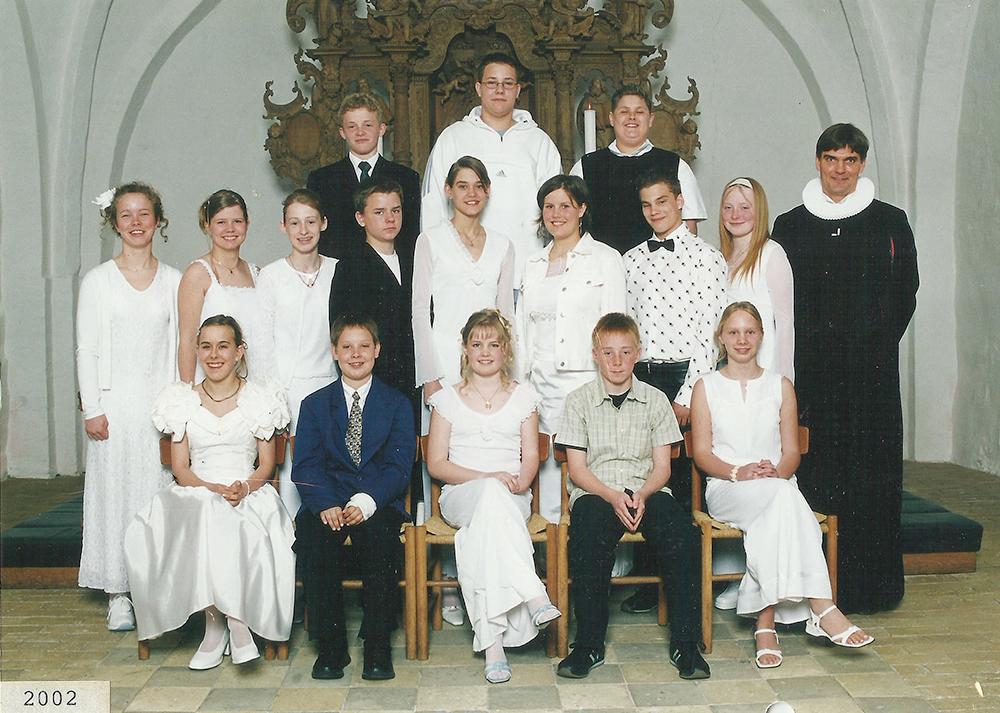 Egebjergkirke_konfirmander_2002