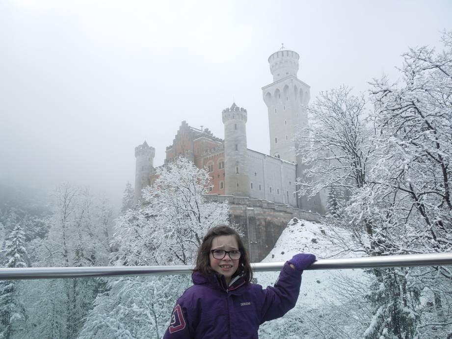dot_scared_castle.jpg