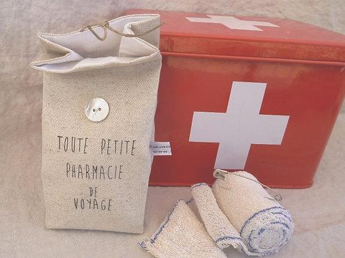 Petit pochon Pharmacie de voyage