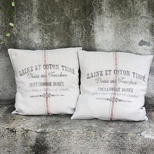 Housse de coussin impression style sac de grains.