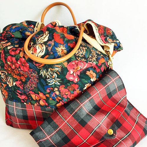 Grand sac en véritable Liberty vintage et sa pochette assortie.