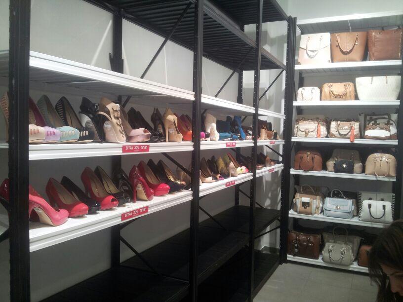 מדפי העליה -4- מדפים לחנויות נעליים