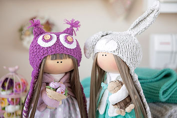 duas bonecas