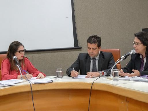 Priscilla Tejota quer informações sobre redução de unidades de saúde em Goiânia