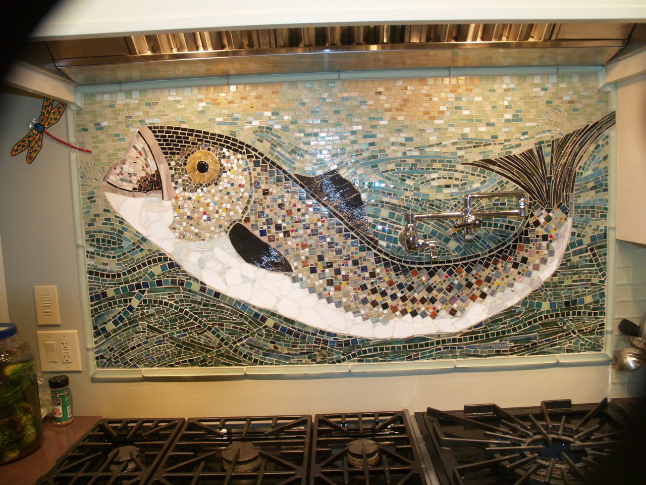 Sea bass backsplash