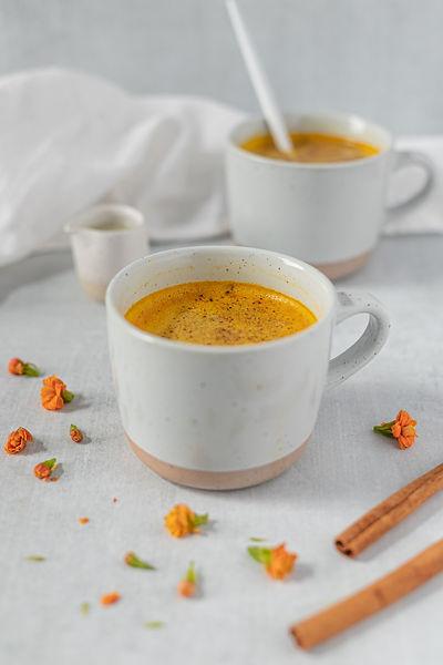 Un golden milk, boisson anti-stress Dansmabulle-relaxation.com