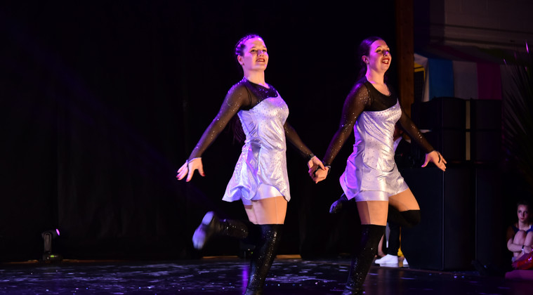 DANCE SHOW 19 - Emilie & Emma (7)_GF.jpg