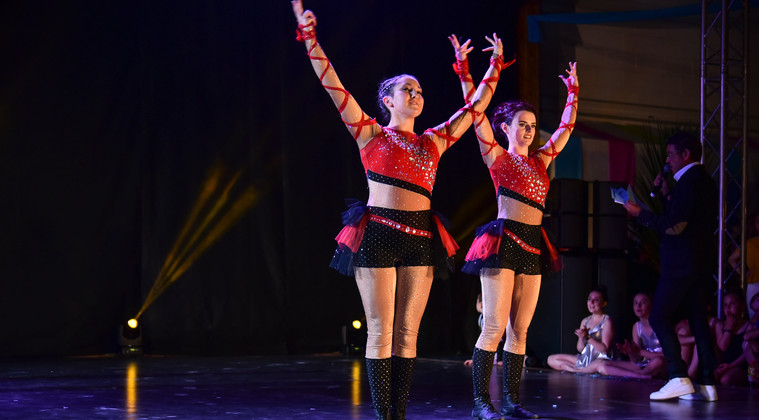 DANCE SHOW 19 - Laurine & Eloise  (2)_GF