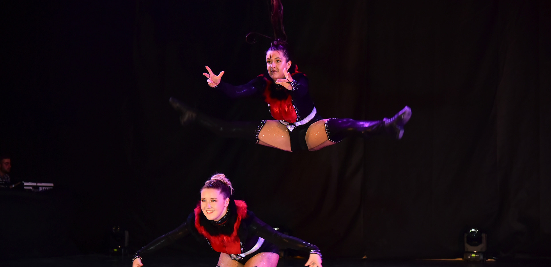 DANCE SHOW 19 - RS DUO Rose & Julie (2)_