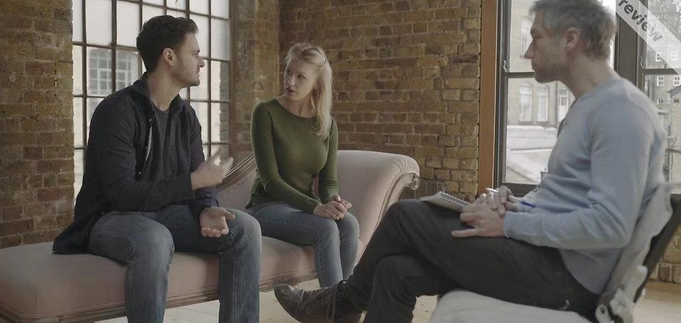 Video zum Thema Scheidungspolice bei Trennung oder Scheidung.