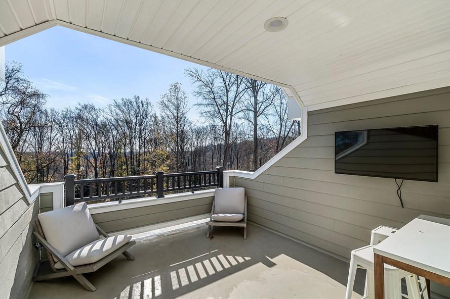 5 Front Roof Deck.jpg